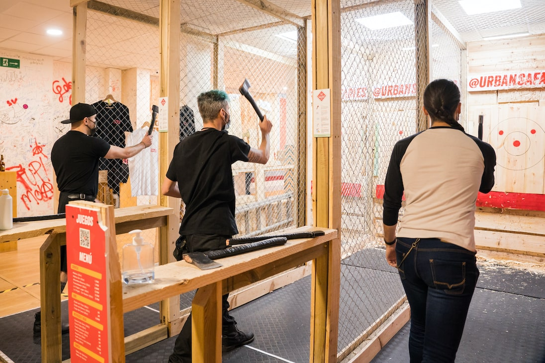 Throwing some axes after the adventure on the Pack Buggy 1h30 Cool Tour + Axe Throwing 1h