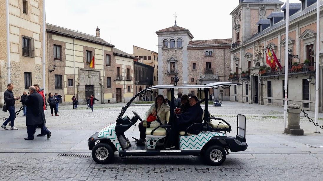Dando una vuelta en nuestros vehículos en Tour Madrid Buggy 1.5h